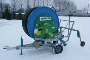 Deszczownie bębnowe IRTEC 58G/200 są przeznaczone do nawodnień upraw rolniczych, ogrodniczych, szkółek leśnych, terenów zielonych itp.