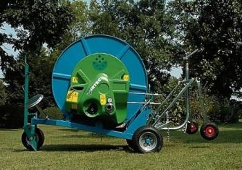 Deszczownie bębnowe przewoźne 63FBT/100 są przeznaczone do nawadniania małych kilku hektarowych powierzchni upraw warzywniczych, sadowniczych, szkółkarskich oraz terenów zielonych, parków, ogrodów, terenów sportowych, itp.