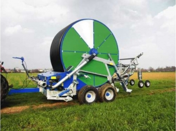 Deszczownie szpulowe IRTEC typu FL9 i FL10 są przeznaczone do nawadniania rolniczych upraw polowych, użytków zielonych, itp.